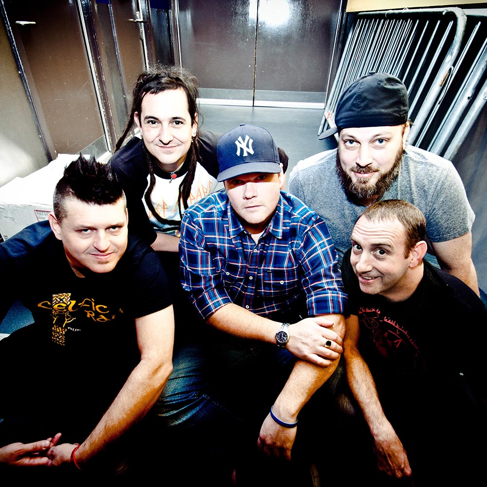 LESS THAN JAKE EN CONCERT A LYON